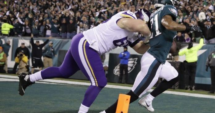 Minnesota Vikings at Philadelphia Eagles: Pat Elflein tackles Ronald Darby. Photo Credit: USA Today Sports