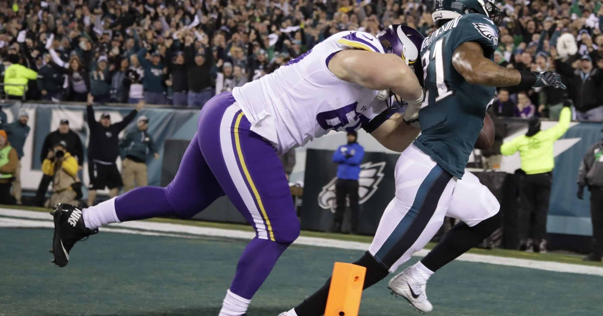 Minnesota Vikings at Philadelphia Eagles: Pat Elflein tackles Ronald Darby. Photo Credit: USA Today Sports