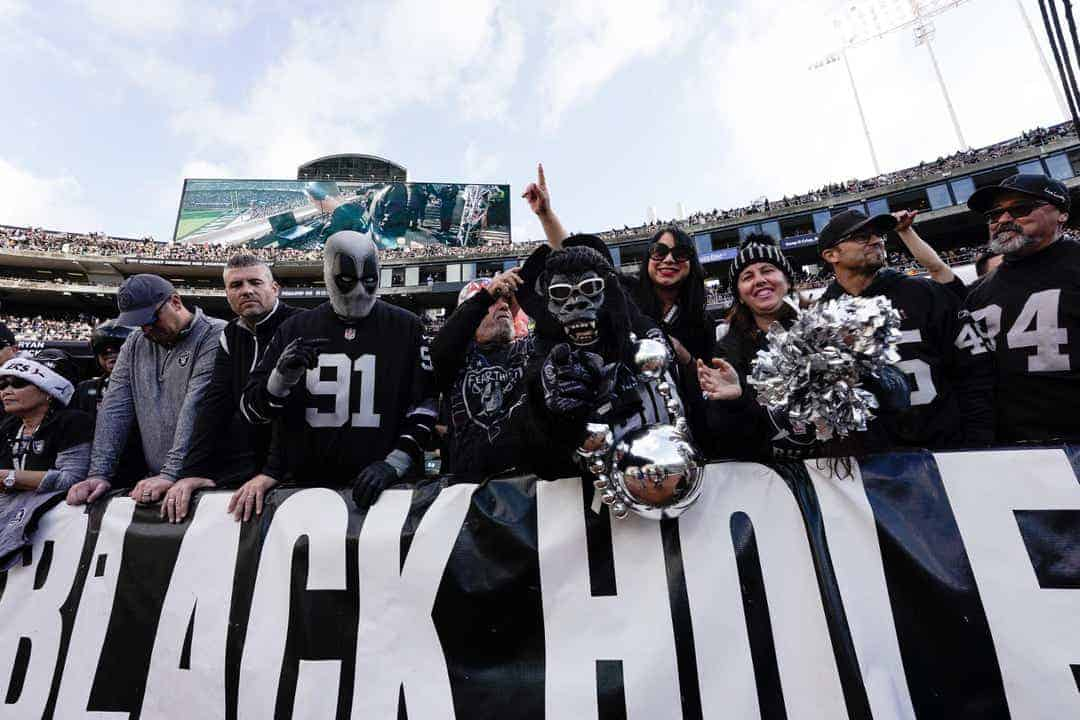 Carr needs to drive performance in Oakland Raiders last game in the Black Hole