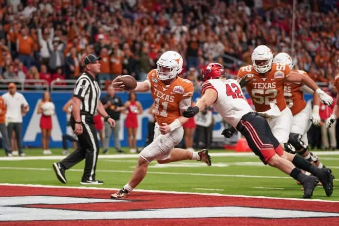 Can Sam Ehlinger and Kellen Mond be back up plans for Justin Fields next year?