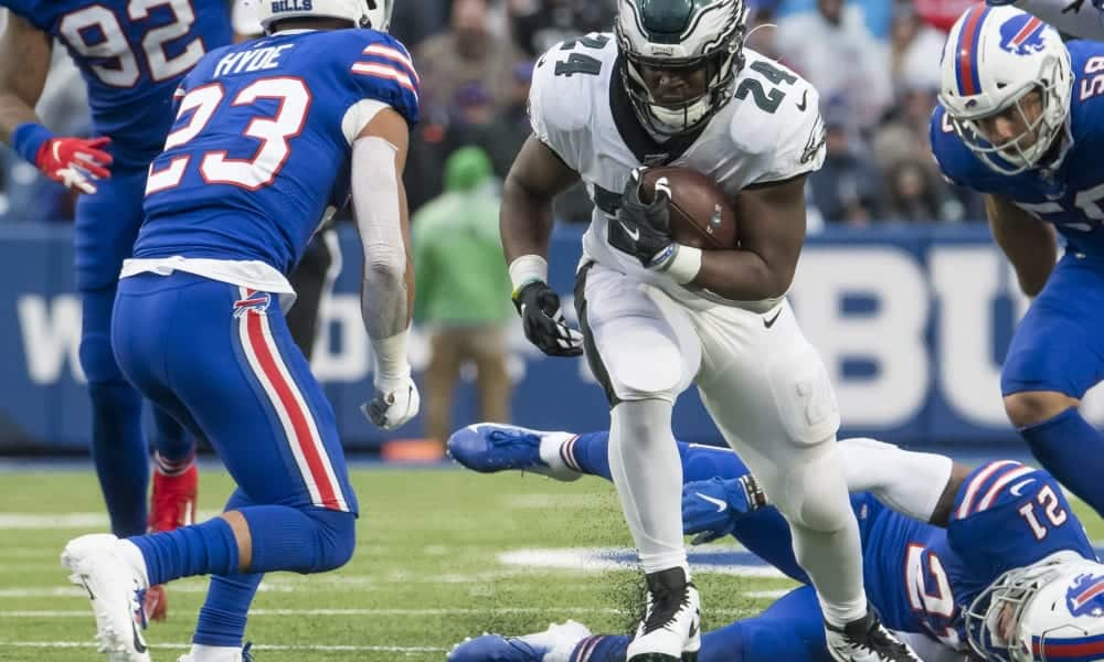 Miami Dolphins: Jordan Howard's value is greater than you think