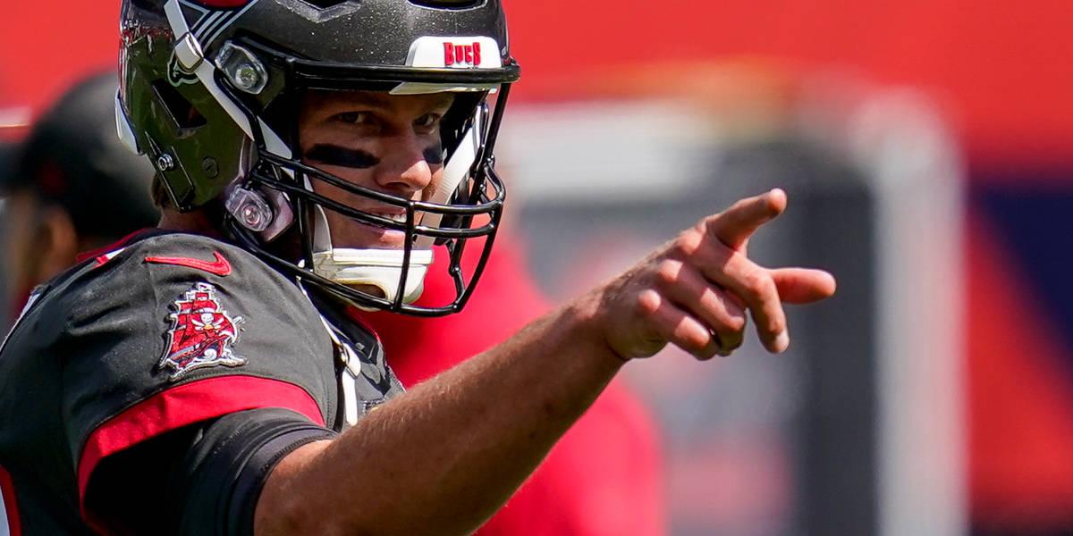 NFL DFS: Week 5 TNF Showdown - Buccaneers vs Bears