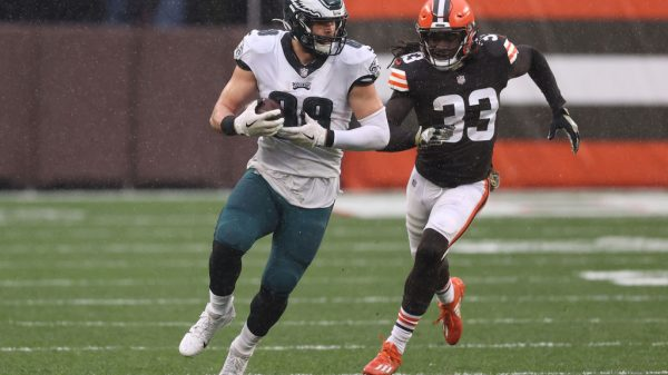 Dallas Goedert Fantasy Outlook: What to expect with Zach Ertz out tonight