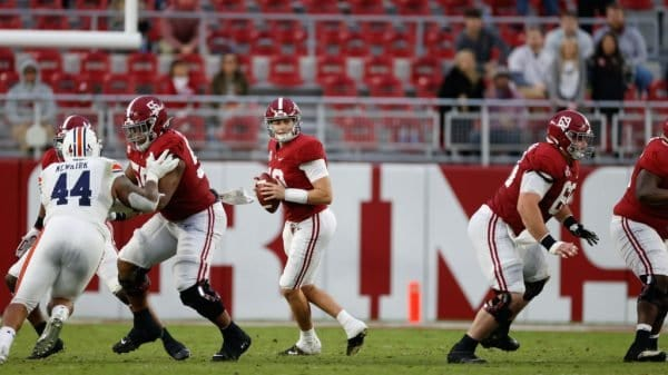 College Football Games Today: TV channels, start times for Top 25 games