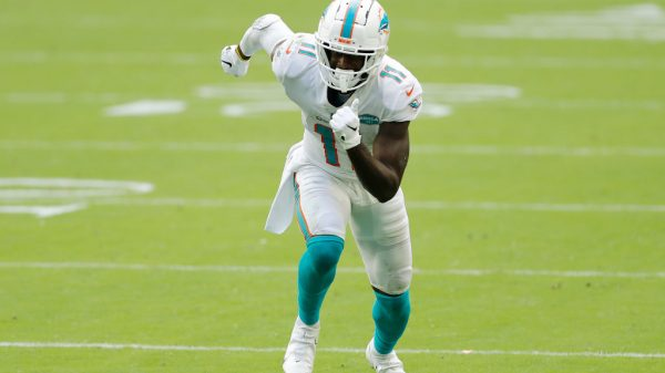 Fantasy WR Injury Update Week 15: DeVante Parker, Mike Williams, more hit injury report