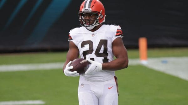 Nick Chubb or Derrick Henry: Better fantasy play in Week 13