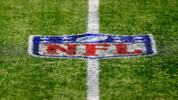 How does the NFL salary cap work in 2021?