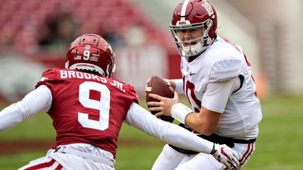 Premature to pencil in Mac Jones to San Francisco 49ers at third overall
