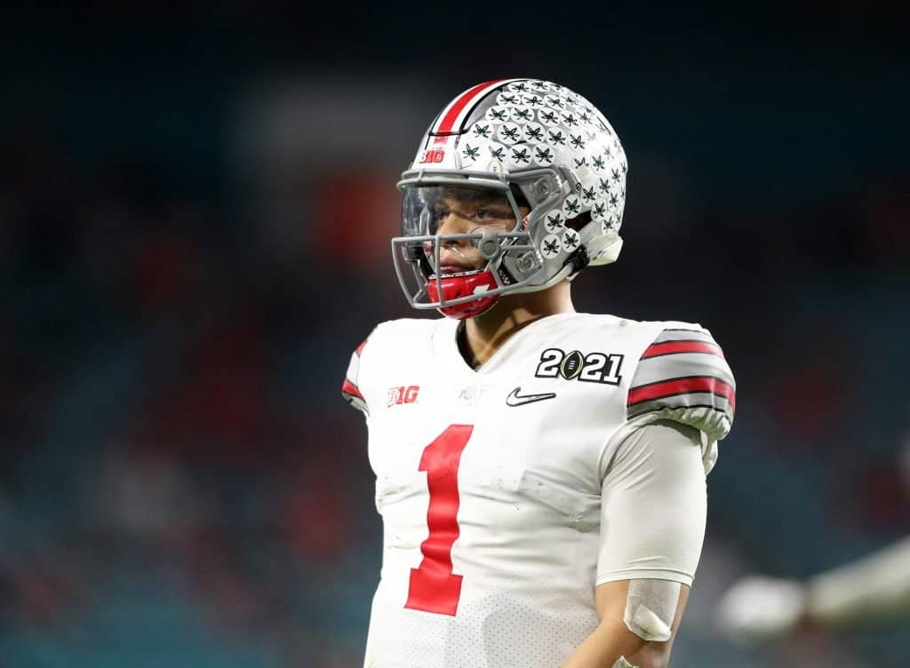 Should Justin Fields, not Andy Dalton, be the Bears' QB1 in 2021?